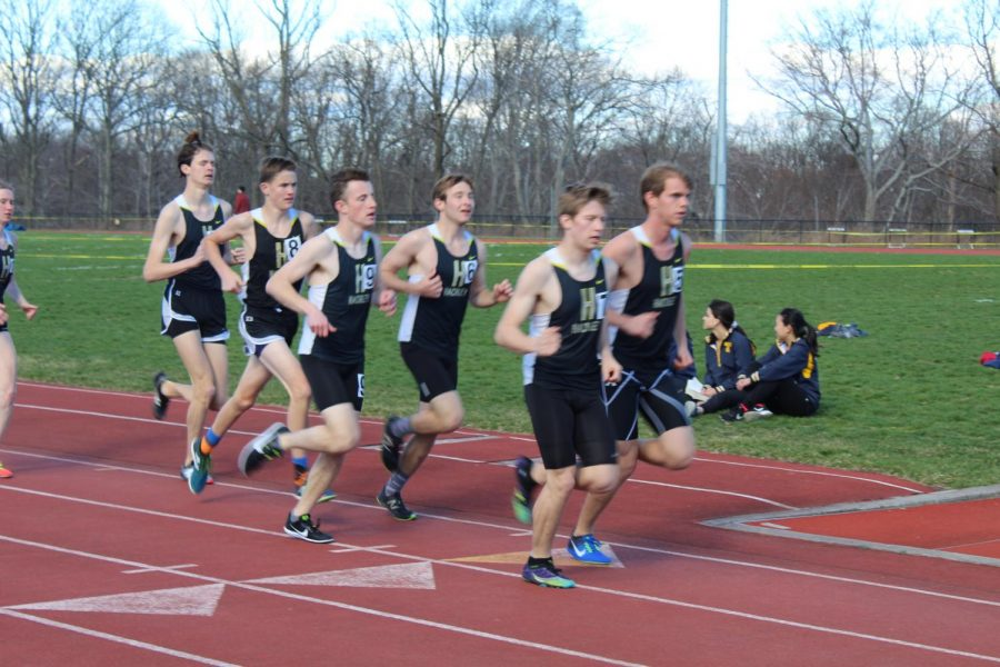 Hackley+Track+and+Field+features+a+variety+of+runners+running+events+that+range+from+the+100+meter+dash+to+the+2+mile+run.+Track+athletes+train+for+their+races+with+strenuous+practices+and+workouts.